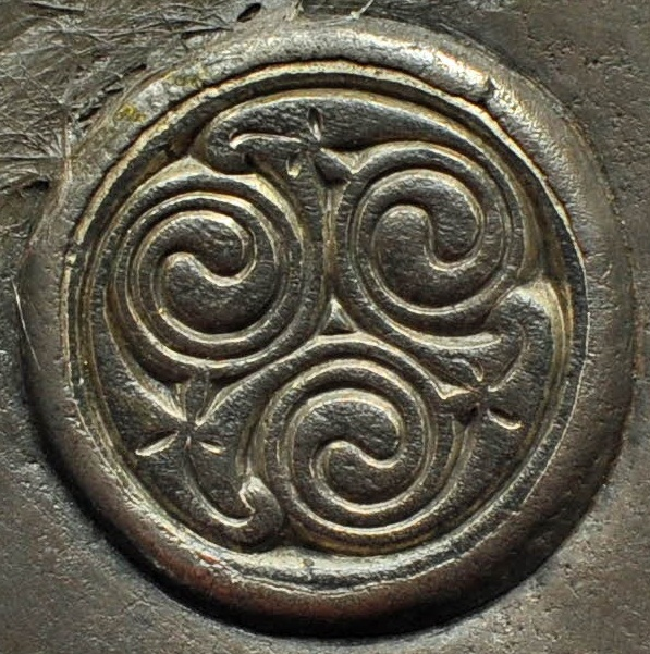 Breadalbane - 4 -  Disc with spiral ornament on the reverse of the brooch, left-hand terminal - 8th century -
